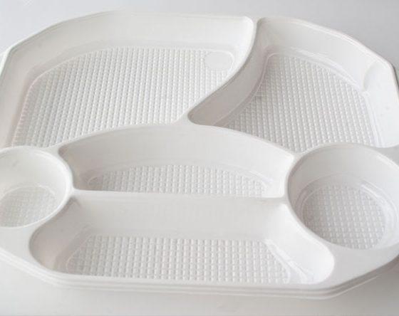 plateau en plastique restauration