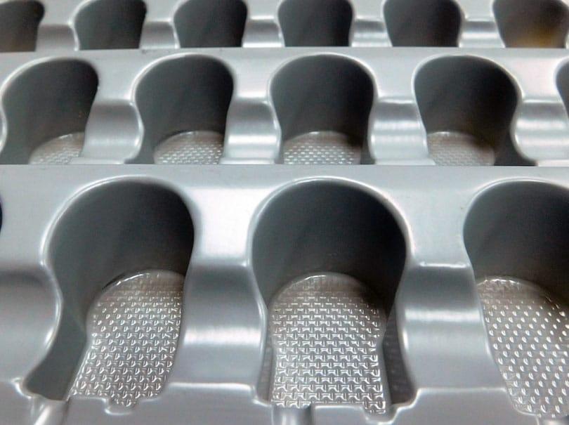 Plateau porte pièces fabriqué en PS Arapack