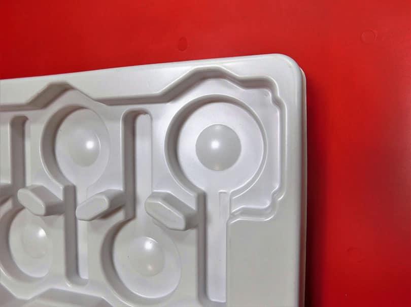 Plateau porte pièces fabriqué en PS