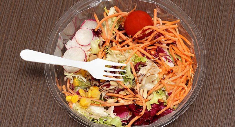 Composants toxiques dans les plastiques á usage alimentaire