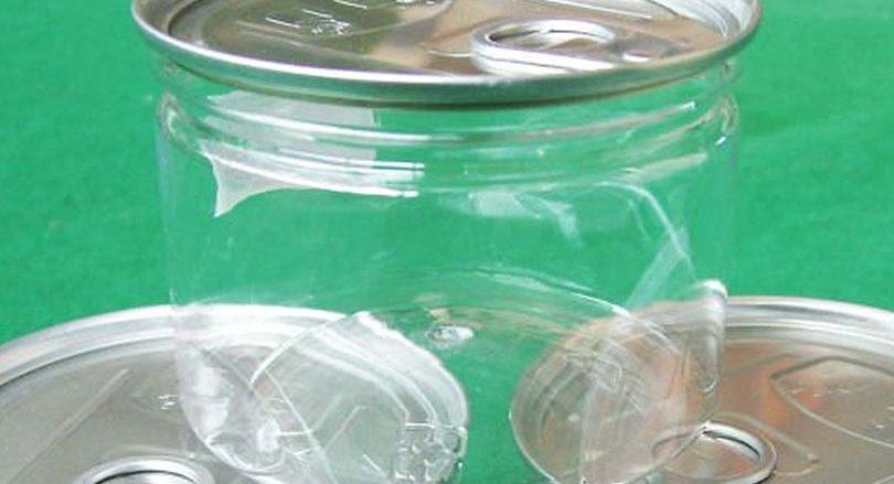 Conserves emballés dans des boîtes en plastique