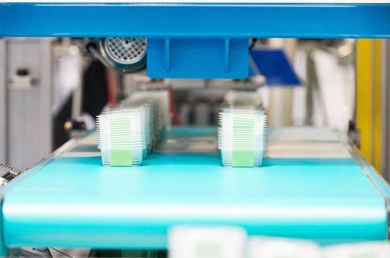 Comment les plateaux en plastique sont fabriqués?
